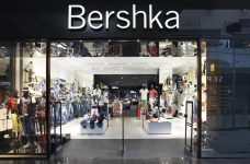 Cách mua đồ hàng hiệu của Bershka Tây Ban Nha