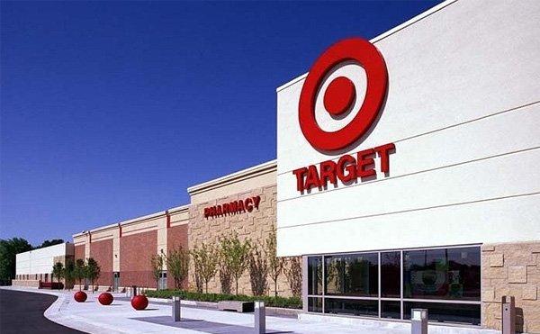"""Thỉnh thoảng các bạn có thể bắt gặp những mẫu giày rất """" hầm hố """" trên Target"""